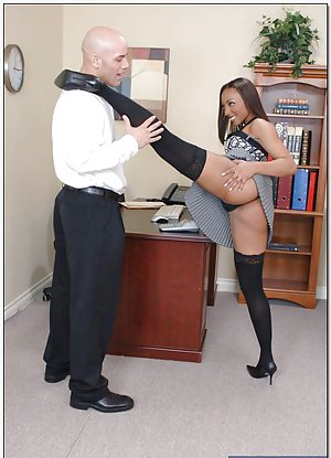 Black Sex in Office Porn