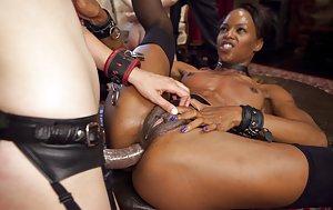 Black Girl Strapon Porn