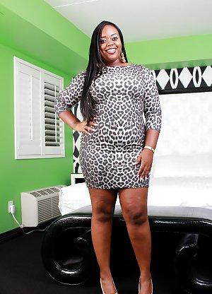 Black Girl in Skirt Porn